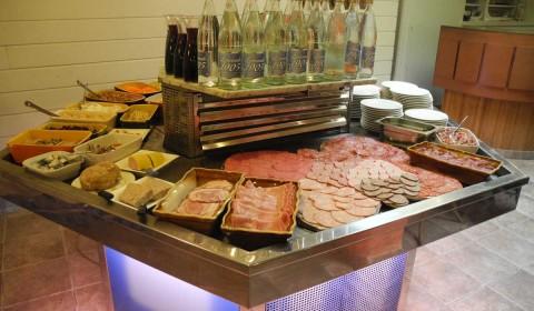 Le buffet des entrées-L'Abri Côtier