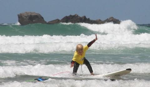 Ecole de surf à la Baie des Trépassés
